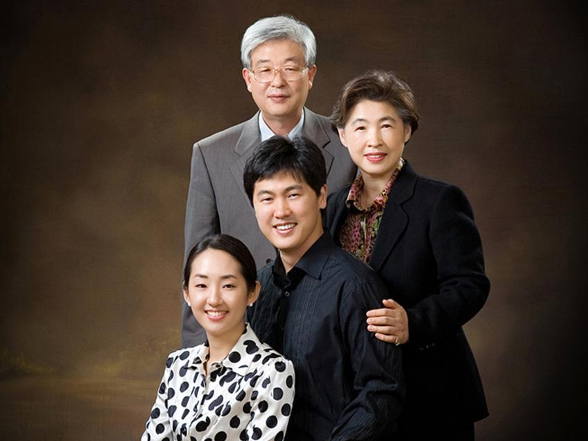 Four people customized oil painting portrait from photos